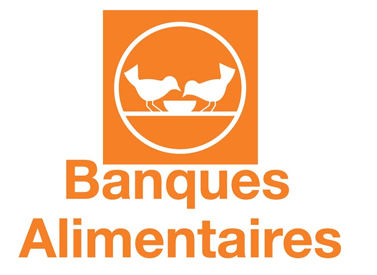 Banque alimentaire Two on a bench
